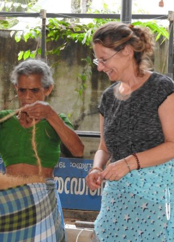 בלוג אמנות | אמנות קוקוס – יצירת חבלים | Coconut Art – Ropes